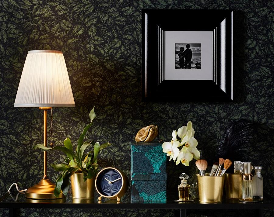 bd77f1a9631561 W ten trend znakomicie wpisuje się nowy Katalog IKEA 2018. Marka odeszła  tym razem nieco od skandynawskiego minimalizmu, z którym jest kojarzona, ...