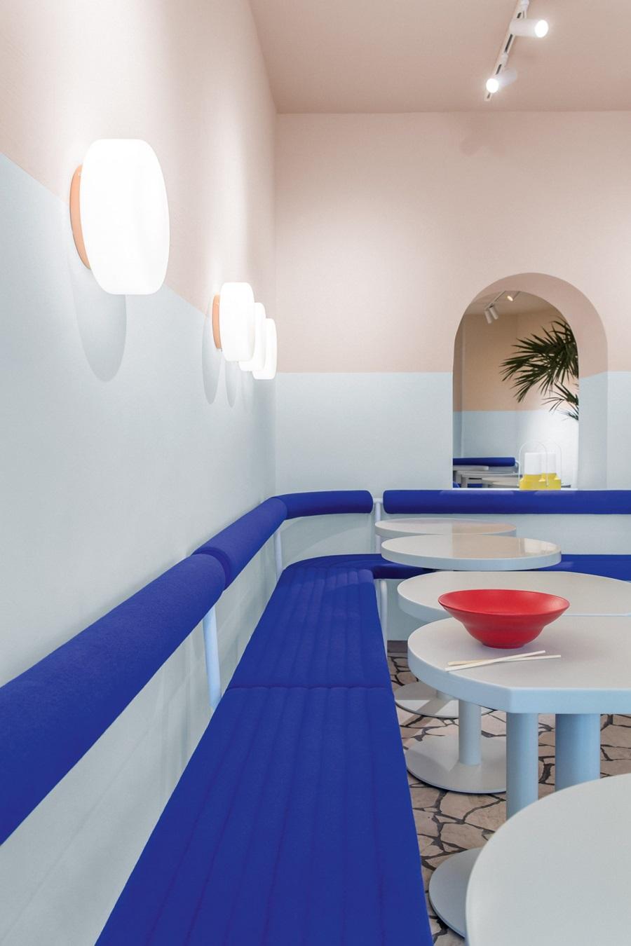Berlińska restauracja jak z obrazu Davida Hockneya