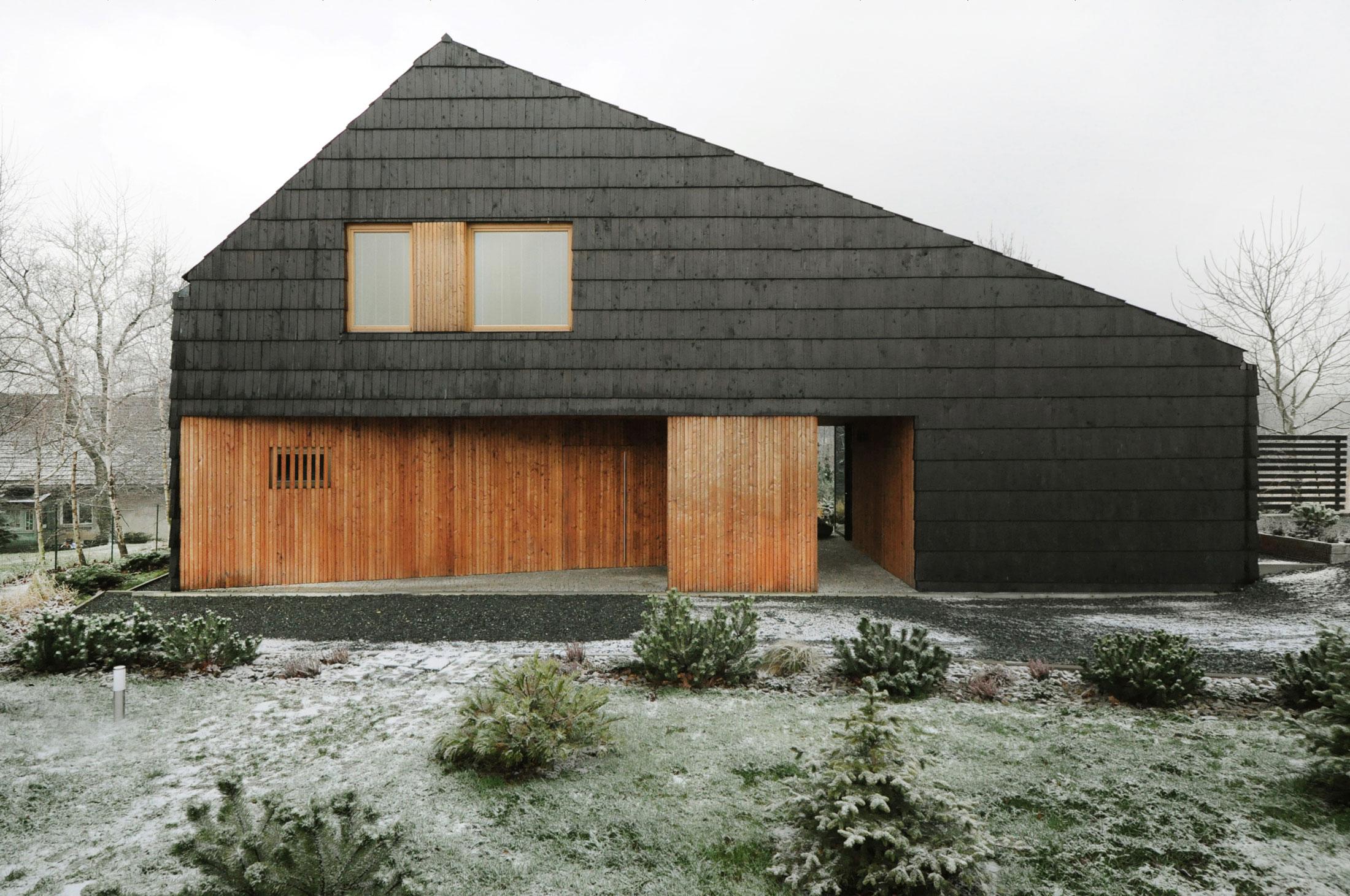 Najlepsze domy w Polsce Dom pokryty gontem w Bielsku-Białej