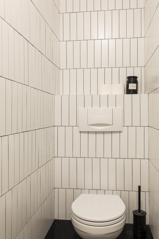 Małe przestrzenie: kawalerka o pow. 17,3 m² w Warszawie