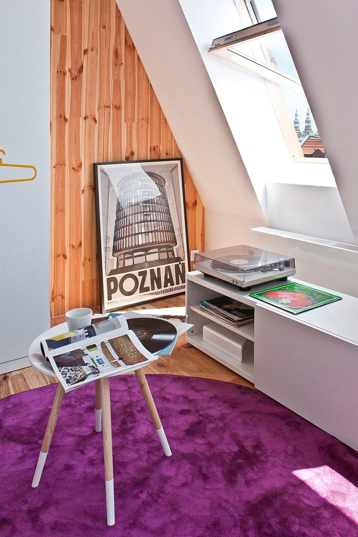 Minimalistyczna kawalerka na poddaszu w Poznaniu