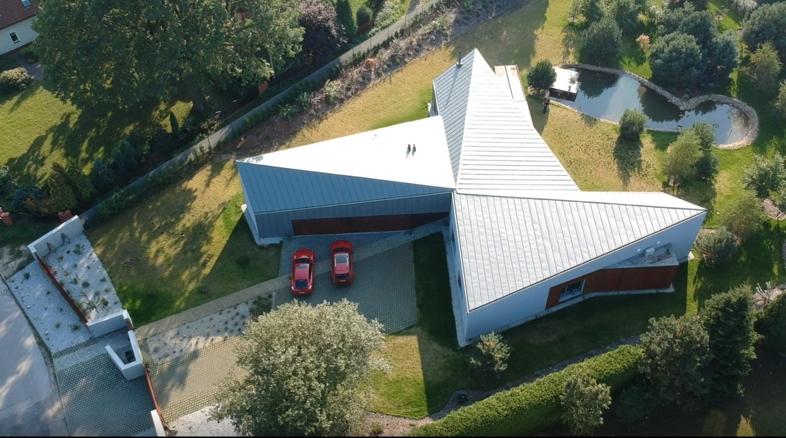 FAN-CY-HOUSE – dom inspirowany wiatrakiem